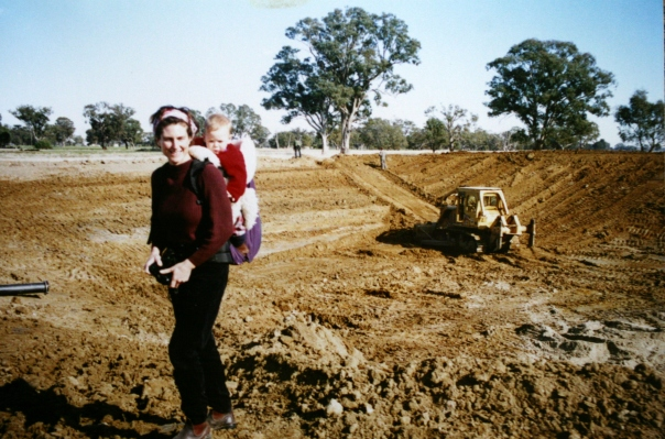 Jun 1997, Annabelle with Felix, dam under construction